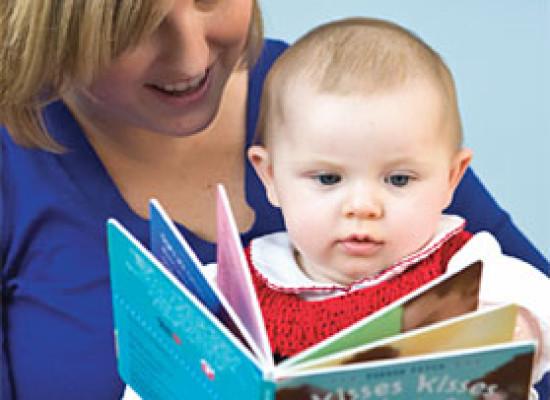Bebeklere kitap okumanın püf noktaları