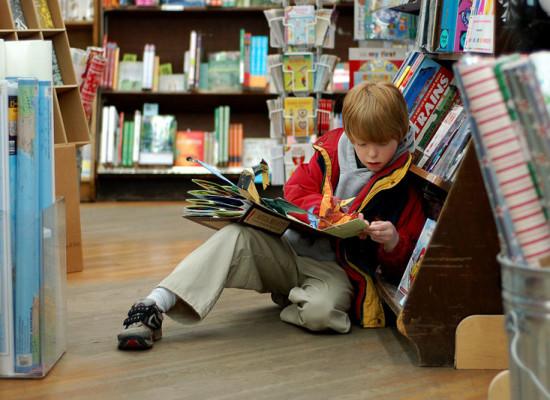 Çocukları Kitap Okumaya Özendirmenin 13 Kolay Yolu
